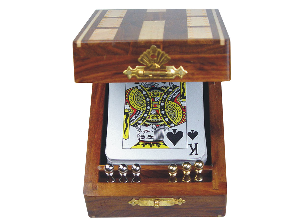 Front View of Cribbage Board with playing Cards