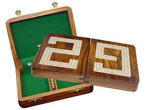 "29 Cribbage Board / Box Folding - Maple inlaid on Golden Rosewood Ground 10"" - 2 Tracks"